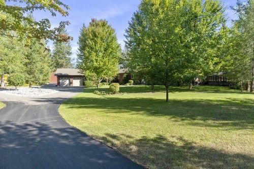Main Photo: 5521 Northwest 10 Avenue in Salmon Arm: Gleneden House for sale : MLS®# 10239811