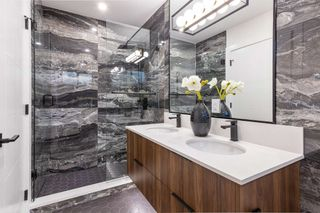 """Photo 18: 3255 W KING EDWARD Avenue in Vancouver: Dunbar Townhouse for sale in """"Boulevard/Dunbar"""" (Vancouver West)  : MLS®# R2580999"""
