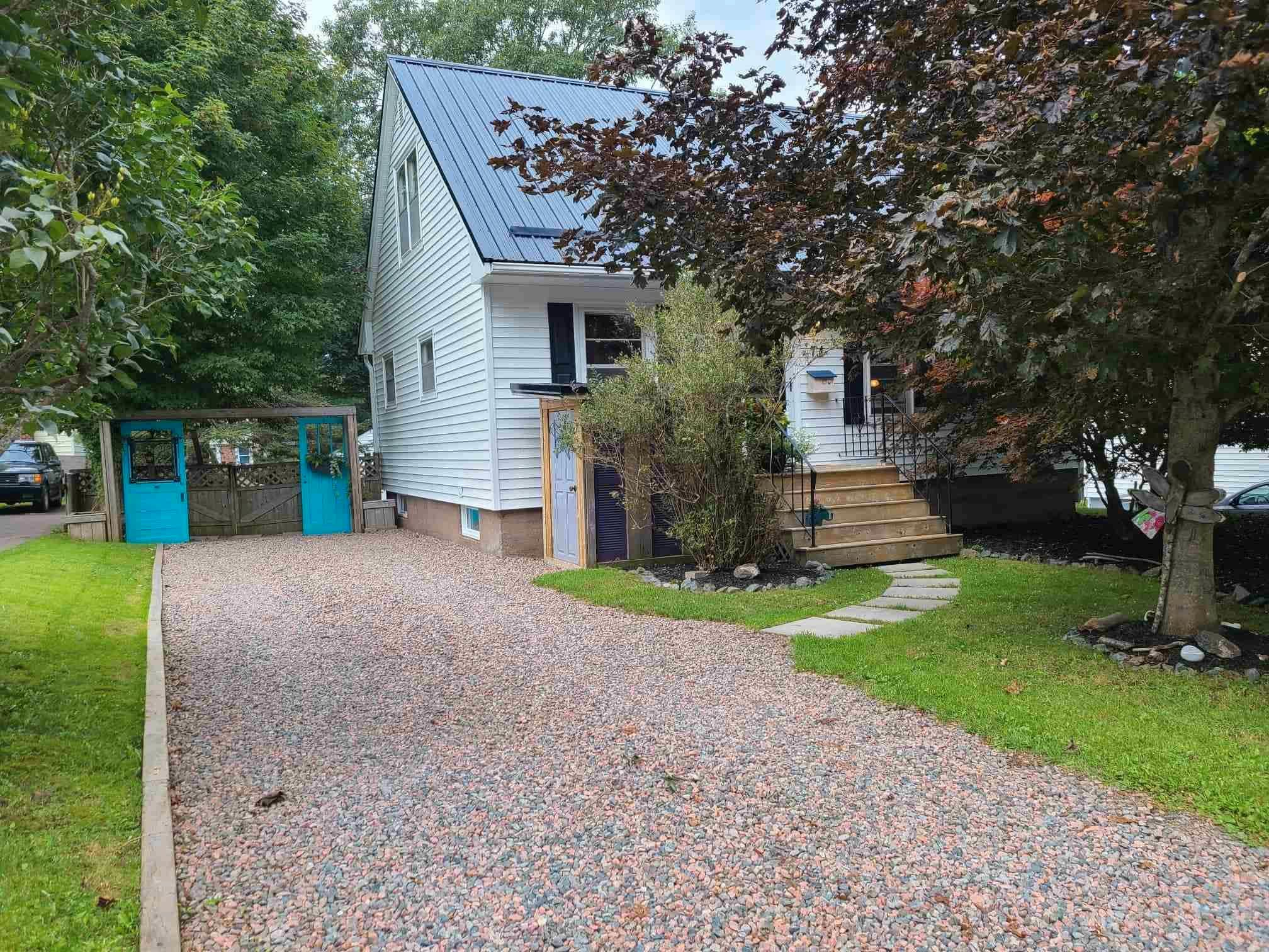 Main Photo: 74 Exhibition Street in Truro: 104-Truro/Bible Hill/Brookfield Residential for sale (Northern Region)  : MLS®# 202123578