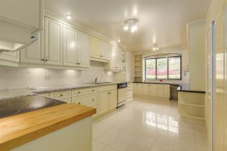 Photo 7: 37 2216 FOLKESTONE Way in West Vancouver: Panorama Village Condo for sale : MLS®# R2310514