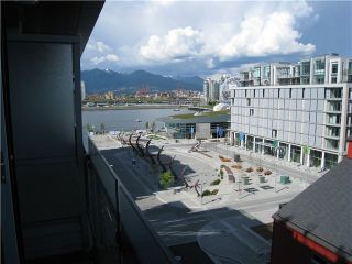 """Photo 1: 707 123 W 1ST Avenue in Vancouver: Mount Pleasant VW Condo for sale in """"MILLENIUM WATER"""" (Vancouver West)  : MLS®# V840148"""