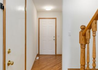 Photo 2: 44 Mt Aberdeen Manor SE in Calgary: McKenzie Lake Row/Townhouse for sale : MLS®# A1078644