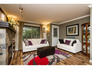 """Photo 3: 30 19250 65 Avenue in Surrey: Clayton Townhouse for sale in """"Sunberry Court"""" (Cloverdale)  : MLS®# R2106869"""