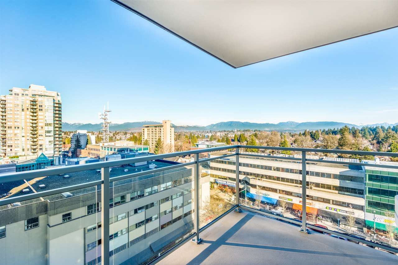 "Main Photo: 1208 608 BELMONT Street in New Westminster: Uptown NW Condo for sale in ""Viceroy"" : MLS®# R2561421"