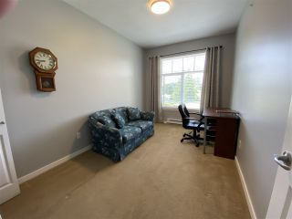 """Photo 7: 402 2068 SANDALWOOD Crescent in Abbotsford: Central Abbotsford Condo for sale in """"The Sterling 2"""" : MLS®# R2469396"""