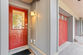 """Photo 3: 8 6033 168 Street in Surrey: Cloverdale BC Townhouse for sale in """"Chestnut"""" (Cloverdale)  : MLS®# R2621139"""