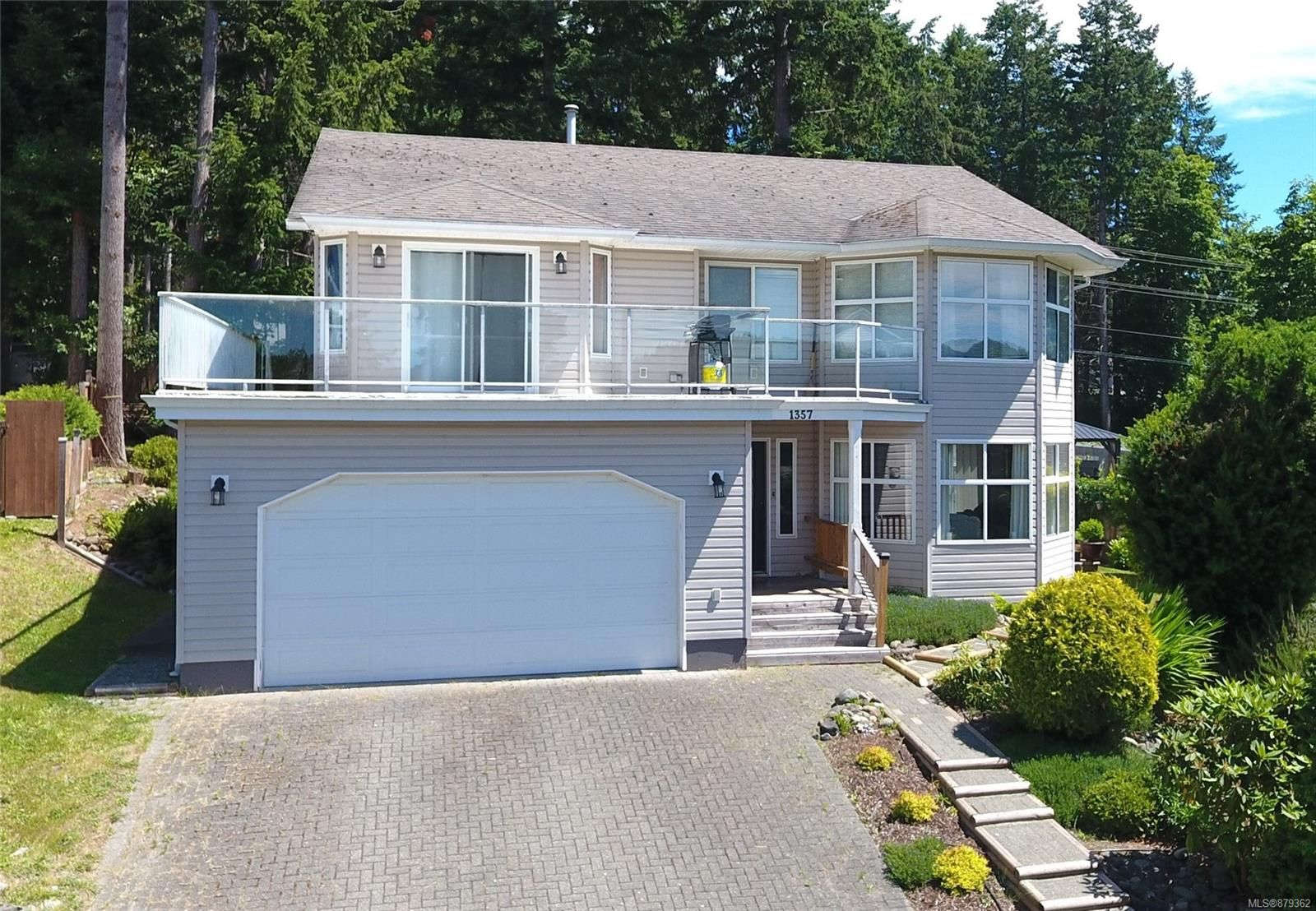 Main Photo: 1357 Caramel Cres in : CR Willow Point House for sale (Campbell River)  : MLS®# 879362