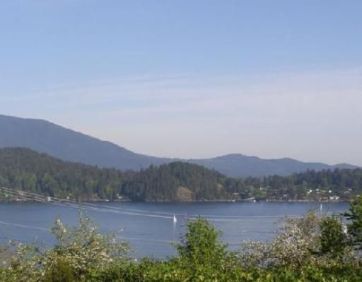 Photo 2: Photos: 638 N FLETCHER Road in Gibsons: Gibsons & Area House for sale (Sunshine Coast)  : MLS®# V739090
