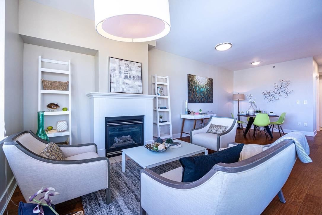 """Main Photo: 613 2655 CRANBERRY Drive in Vancouver: Kitsilano Condo for sale in """"NEW YORKER"""" (Vancouver West)  : MLS®# R2581568"""