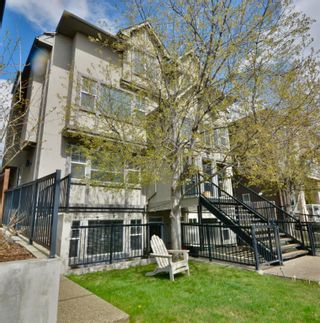 Main Photo: 2 1820 34 Avenue SW in Calgary: South Calgary Row/Townhouse for sale : MLS®# A1103153