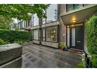 """Photo 3: 155 W 2ND Street in North Vancouver: Lower Lonsdale Townhouse for sale in """"SKY"""" : MLS®# R2537740"""