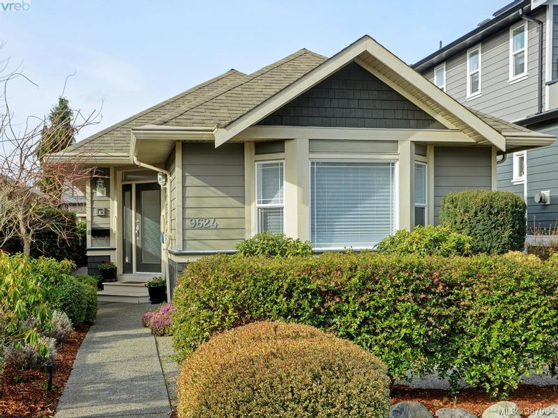 FEATURED LISTING: 9624 Sixth St SIDNEY