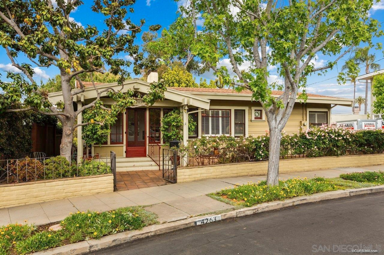 Main Photo: MISSION HILLS House for sale : 2 bedrooms : 4263 Hermosa Way in San Diego