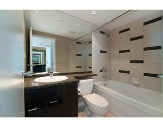 """Photo 7: # 4102 1408 STRATHMORE MEWS in Vancouver: False Creek North Condo for sale in """"west One"""" ()  : MLS®# V886987"""
