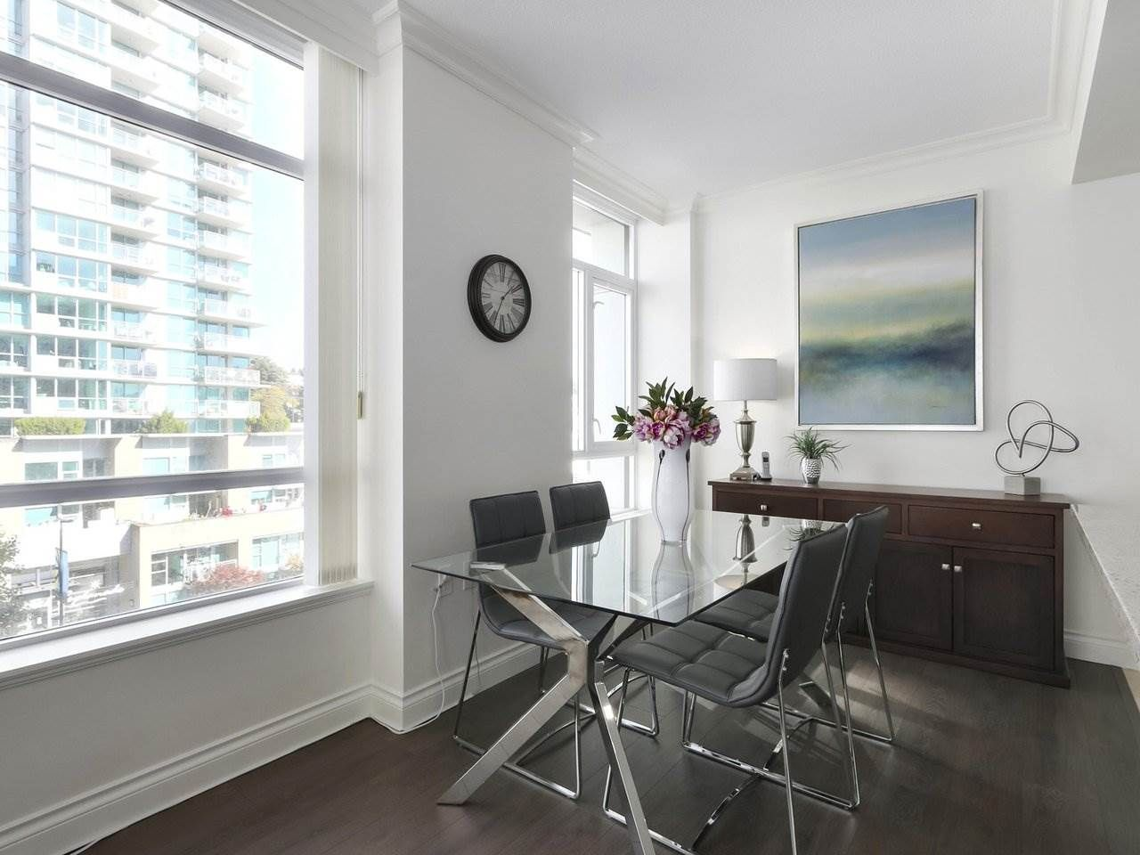 """Photo 6: Photos: 608 172 VICTORY SHIP Way in North Vancouver: Lower Lonsdale Condo for sale in """"Atrium at the Pier"""" : MLS®# R2454404"""