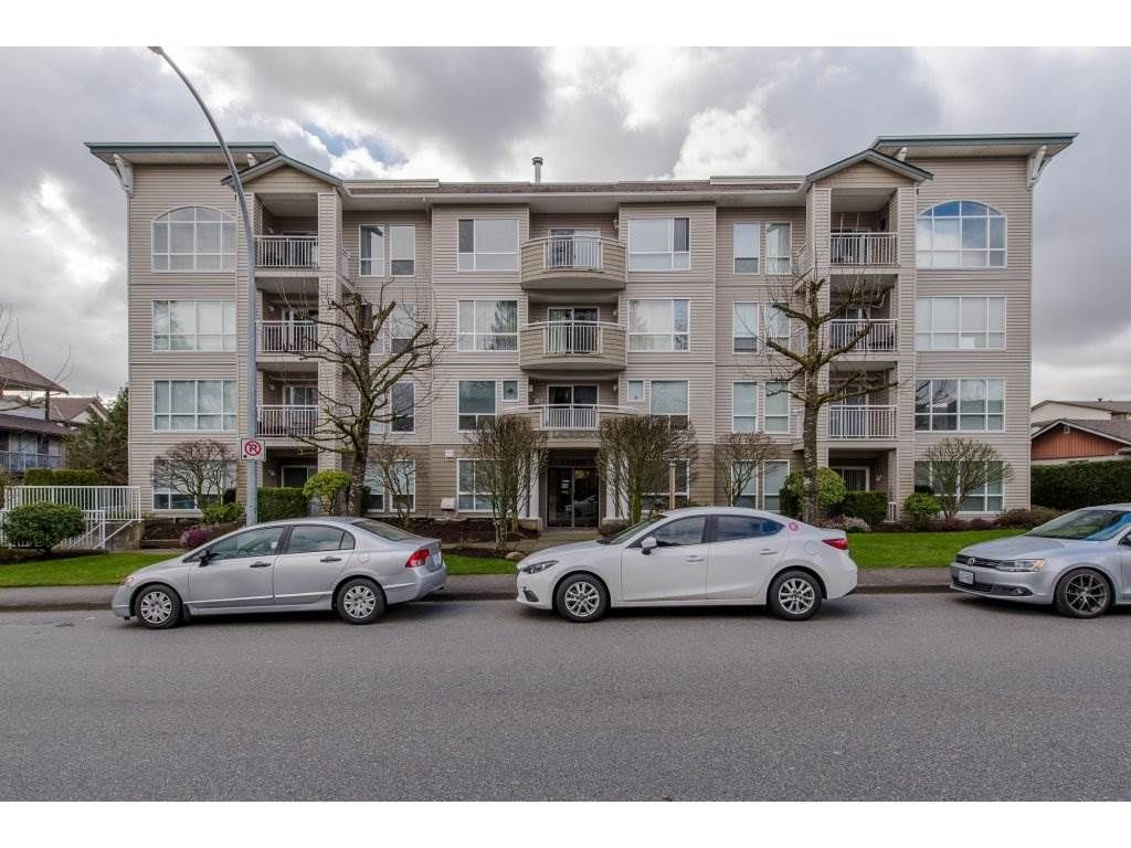 """Main Photo: 105 32120 MT WADDINGTON Avenue in Abbotsford: Abbotsford West Condo for sale in """"~The Laurelwood~"""" : MLS®# R2151840"""