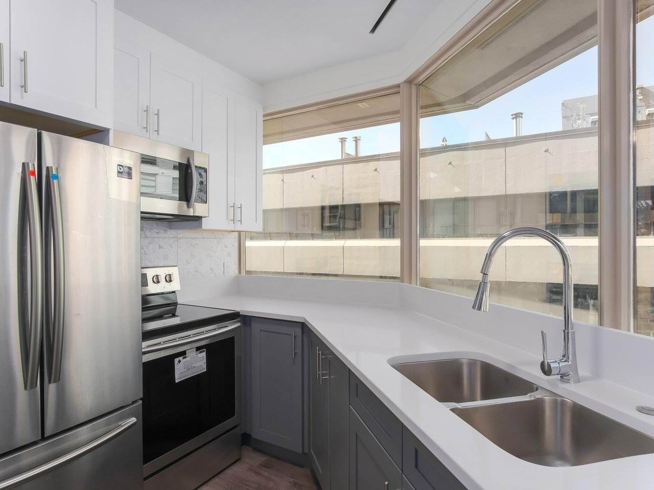 """Main Photo: 911 1177 HORNBY Street in Vancouver: Downtown VW Condo for sale in """"LONDON PLACE"""" (Vancouver West)  : MLS®# R2403414"""