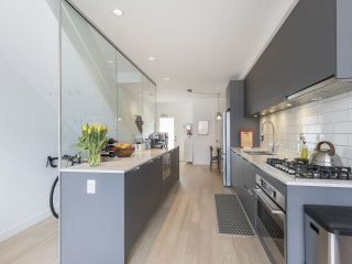 """Photo 20: 312 1647 E PENDER Street in Vancouver: Hastings Townhouse for sale in """"The Oxley"""" (Vancouver East)  : MLS®# R2555021"""