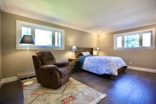 """Photo 22: 2683 NORTHCREST Drive in Surrey: Sunnyside Park Surrey House for sale in """"Woodshire Park"""" (South Surrey White Rock)  : MLS®# R2487213"""