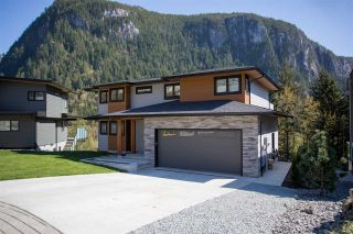 "Main Photo: 2252 WINDSAIL Place in Squamish: Plateau House for sale in ""Crumpit Woods"" : MLS®# R2365036"