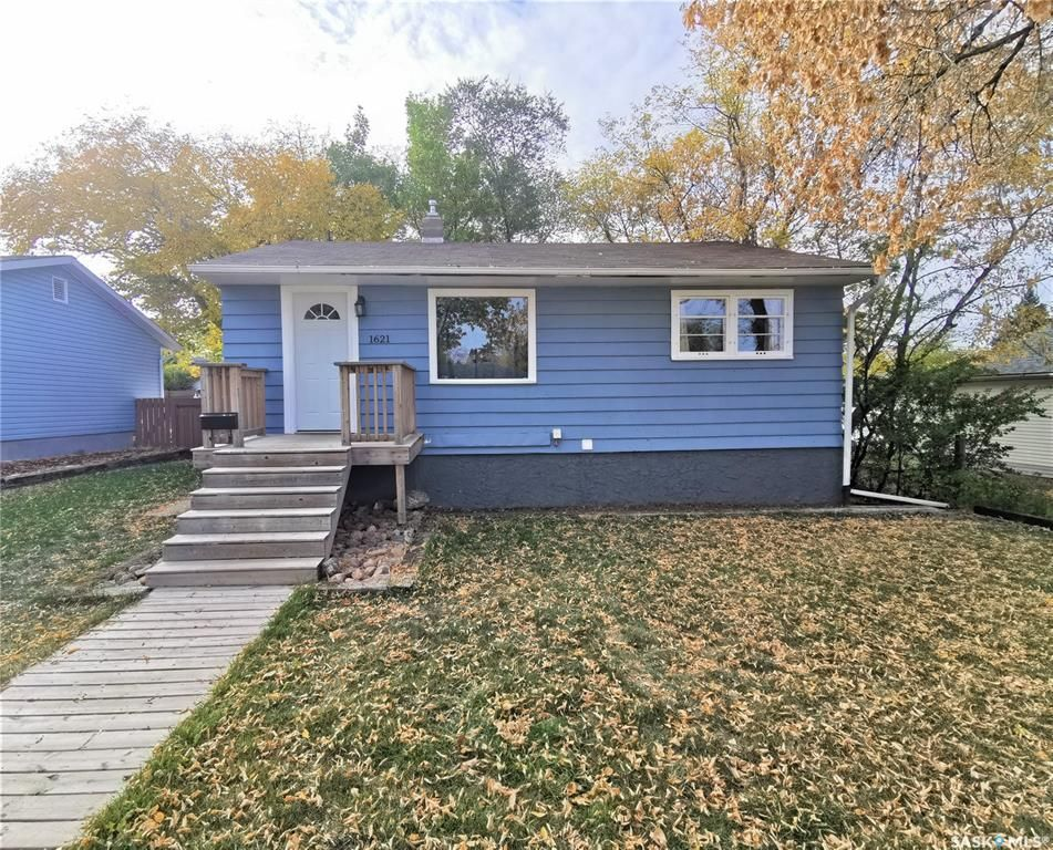 Main Photo: 1621 102nd Street in North Battleford: Sapp Valley Residential for sale : MLS®# SK873680