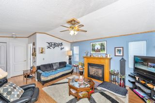 Photo 4: 61 7583 Central Saanich Rd in : CS Hawthorne Manufactured Home for sale (Central Saanich)  : MLS®# 879084