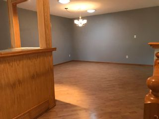 Photo 7: 1833 Millwoods RD E NW in Edmonton: Zone 29 Townhouse for sale : MLS®# E4255033