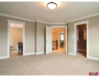"""Photo 6: 21186 83A Avenue in Langley: Willoughby Heights House for sale in """"YORKSON"""" : MLS®# F2805996"""