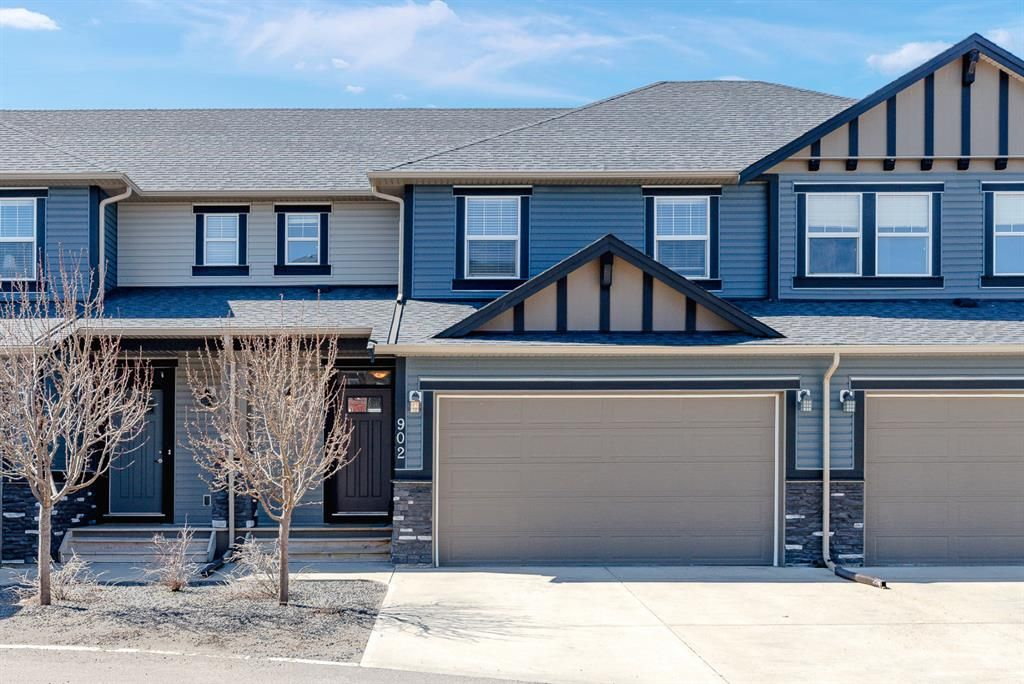 Main Photo: 902 1086 WILLIAMSTOWN Boulevard NW: Airdrie Row/Townhouse for sale : MLS®# A1099476