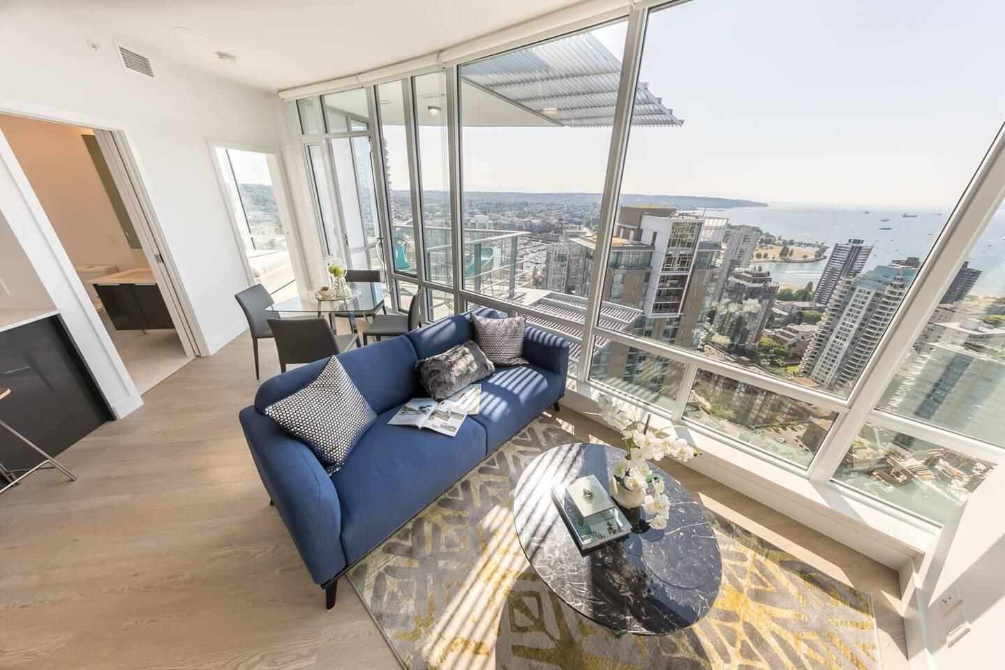 Main Photo: 3808 1283 HOWE Street in Vancouver: Downtown VW Condo for sale (Vancouver West)  : MLS®# R2607083