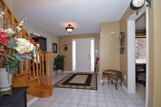 Photo 6: Executive 4 Bedroom Greenpark Home in sought after North Whitby Fallingbrook