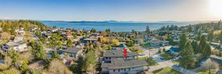 """Photo 3: 1560 BREARLEY Street: White Rock House for sale in """"WHITE ROCK"""" (South Surrey White Rock)  : MLS®# R2570508"""