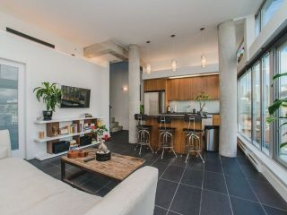 Photo 3: 902 33 W PENDER Street in Vancouver: Downtown VW Condo for sale (Vancouver West)  : MLS®# R2234015