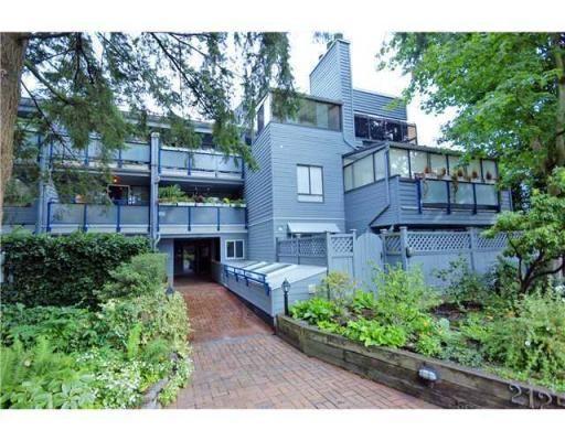 Main Photo: # 206 2125 YORK AV in Vancouver: Condo for sale : MLS®# V936782