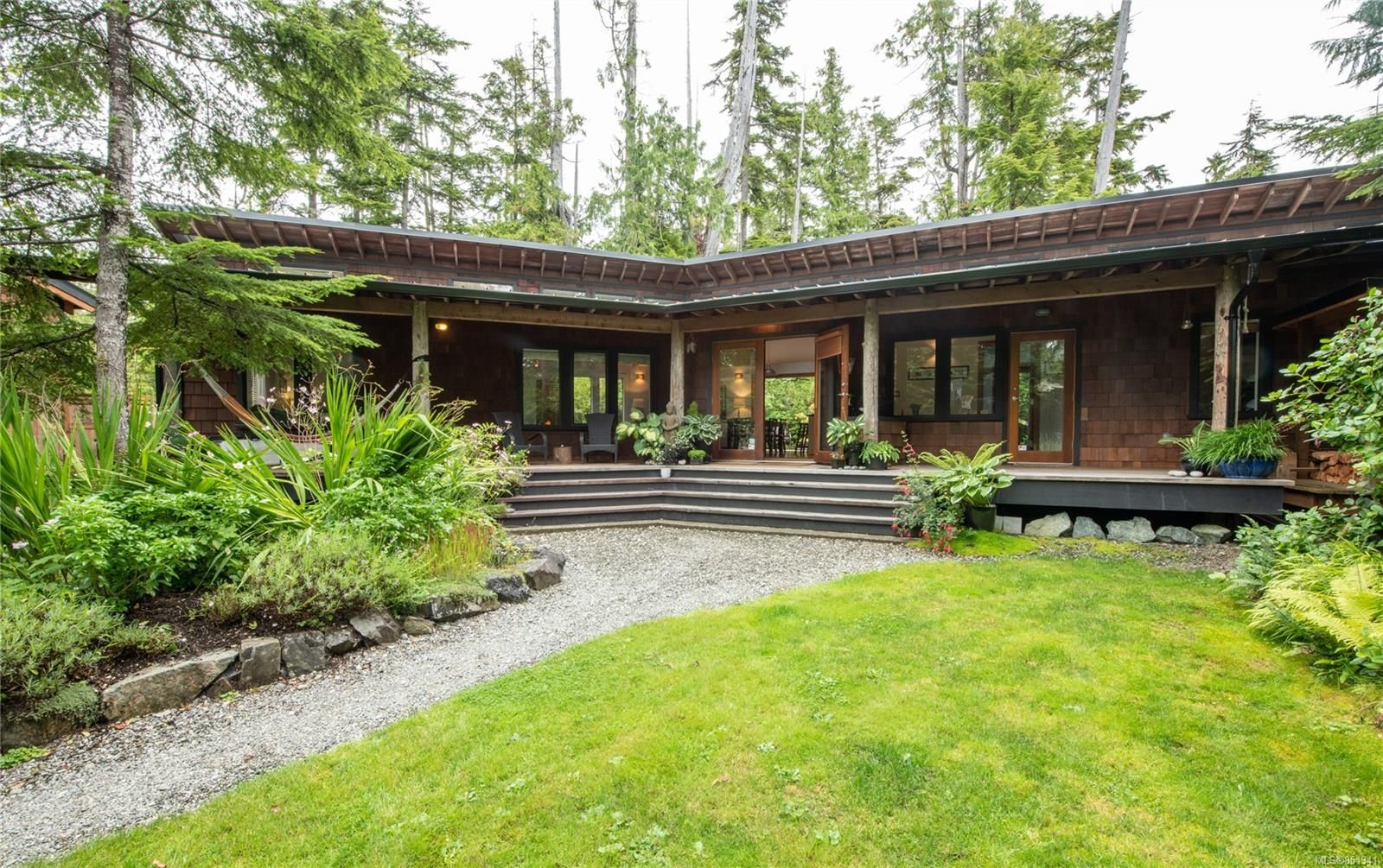 Main Photo: 1126 FELLOWSHIP Dr in : PA Tofino House for sale (Port Alberni)  : MLS®# 851341