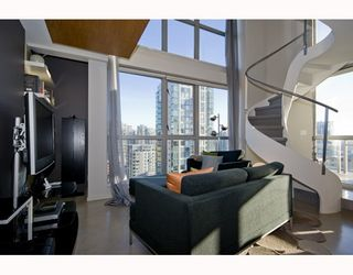 """Photo 1: 1807 1238 RICHARDS Street in Vancouver: Downtown VW Condo for sale in """"METROPOLIS"""" (Vancouver West)  : MLS®# V799758"""