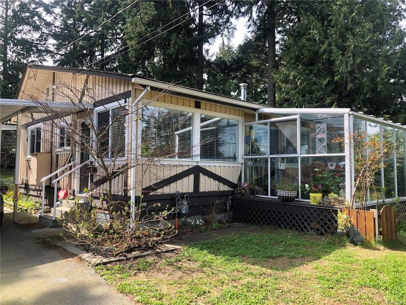 FEATURED LISTING: 6041 Hammond Bay Rd