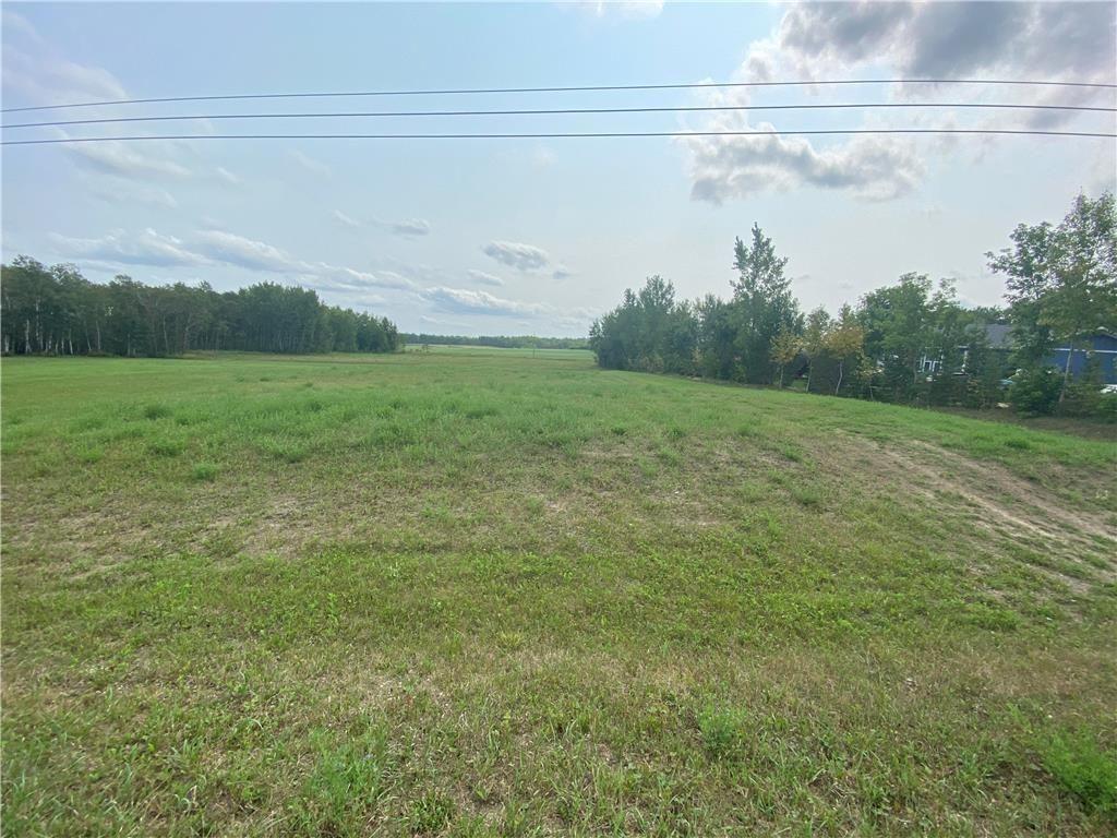 Main Photo: 72 Lee Side Drive in Lac Du Bonnet RM: Lac Du Bonnet Residential for sale (R28)  : MLS®# 202120771