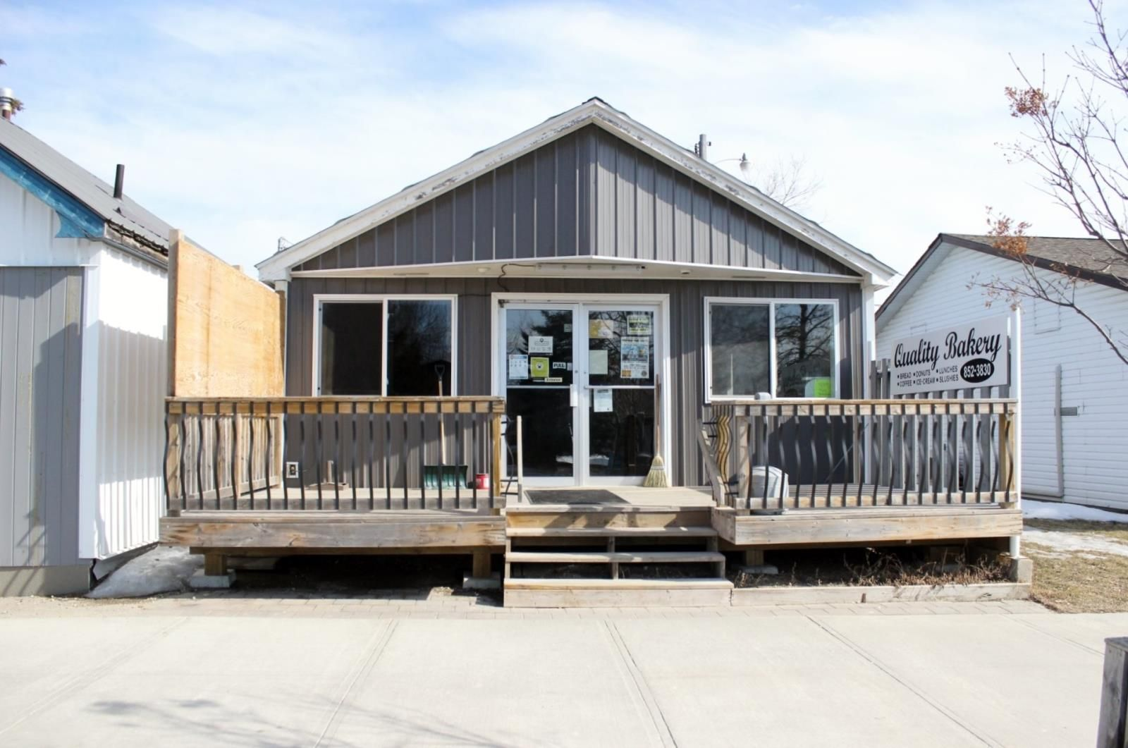 Main Photo: 214 FOURTH ST in RAINY RIVER: Multi-family for sale : MLS®# TB210605