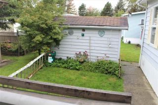 """Photo 4: 17 145 KING EDWARD Street in Coquitlam: Maillardville Manufactured Home for sale in """"MILL CREEK VILLAGE"""" : MLS®# R2411158"""