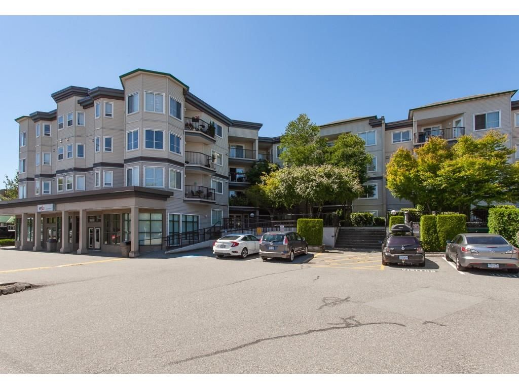 """Main Photo: 313 5759 GLOVER Road in Langley: Langley City Condo for sale in """"College Court"""" : MLS®# R2426303"""
