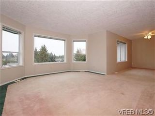 Photo 6: 3334 Haida Dr in VICTORIA: Co Triangle House for sale (Colwood)  : MLS®# 595040