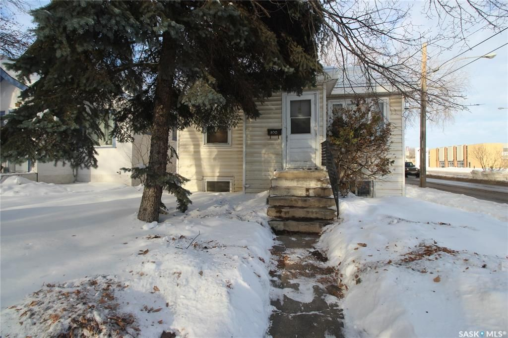 Main Photo: 100 32nd Street West in Saskatoon: Caswell Hill Residential for sale : MLS®# SK838406