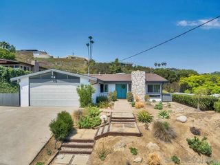 Photo 2: PACIFIC BEACH House for sale : 4 bedrooms : 5035 San Joaquin in San Diego