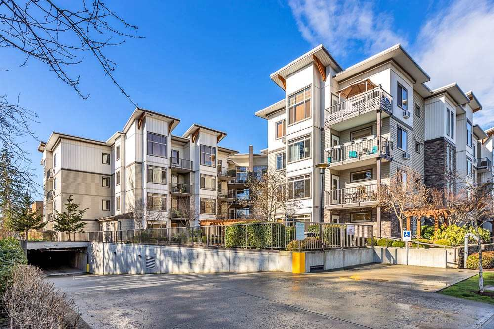 "Main Photo: 203 11887 BURNETT Street in Maple Ridge: East Central Condo for sale in ""WELLINGTON STATION"" : MLS®# R2542612"