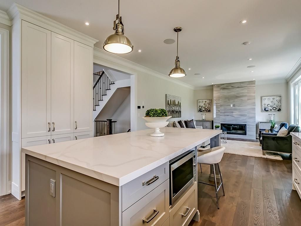 Photo 11: Photos: 2226 COURTLAND Drive in Burlington: Residential for sale : MLS®# H4062761