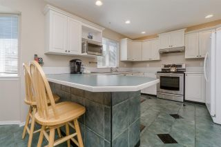 Photo 9: 5946 188 Street in Surrey: Cloverdale BC House for sale (Cloverdale)  : MLS®# R2189626