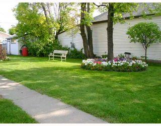 Photo 9: 477 BROOKLYN Street in WINNIPEG: St James Residential for sale (West Winnipeg)  : MLS®# 2818059
