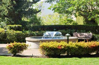 Photo 2: 202 15210 GUILDFORD Drive in Surrey: Guildford Condo for sale (North Surrey)  : MLS®# R2068619