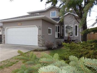 Photo 2: 596 MEADOWBROOK Bay SE: Airdrie Residential Detached Single Family for sale : MLS®# C3615313